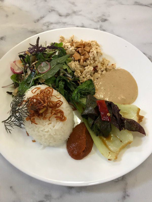 Menus and gourmet vegan was the focus for Modules 7 and 8 of The Vegan Chef and Lifestyle Training Course run by Veet's Cuisine.