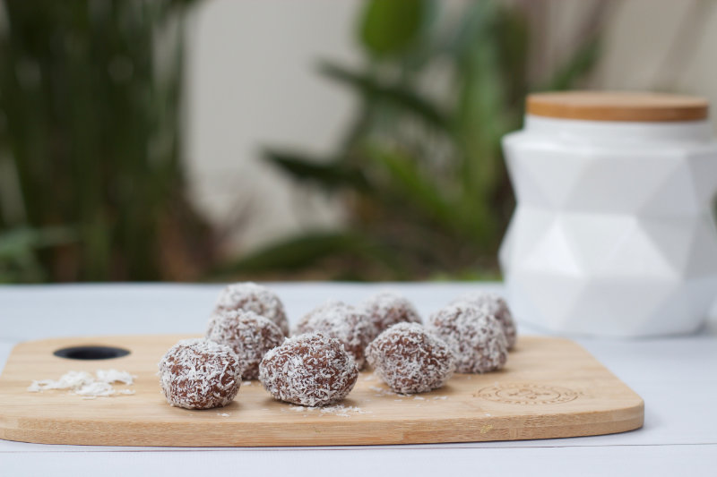 vegan recipe protein balls coconut simple cheap healthy by Sweets and Greens